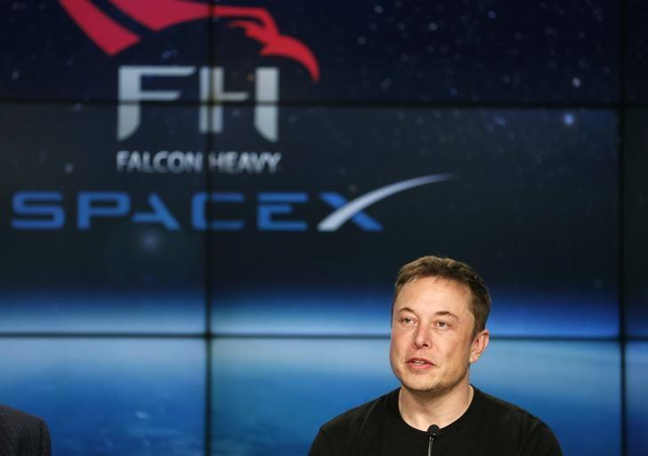 Musk deletes Facebook pages of Tesla, SpaceX after challenged on Twitter https://t.co/R4kVfhWHFh