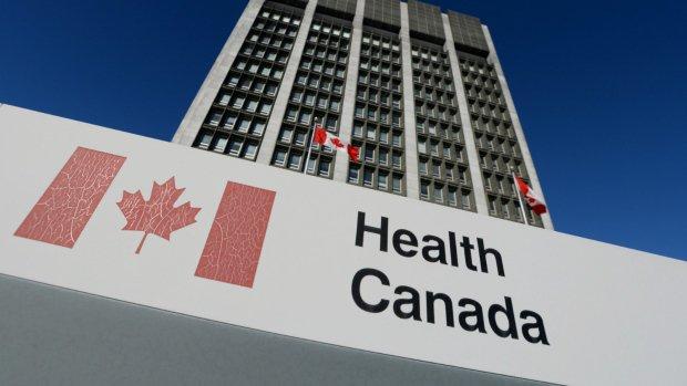 «Золотой рис» пришёл в Канаду: https://t.co/19JVyJUPOu. Всё просто — нужно подавать запросы на разрешение продажи. Работать на уровне правового регулирования. А не трубить в #СМИ, что сторонники анти-#ГМО и @Greenpeace всё запрещают.