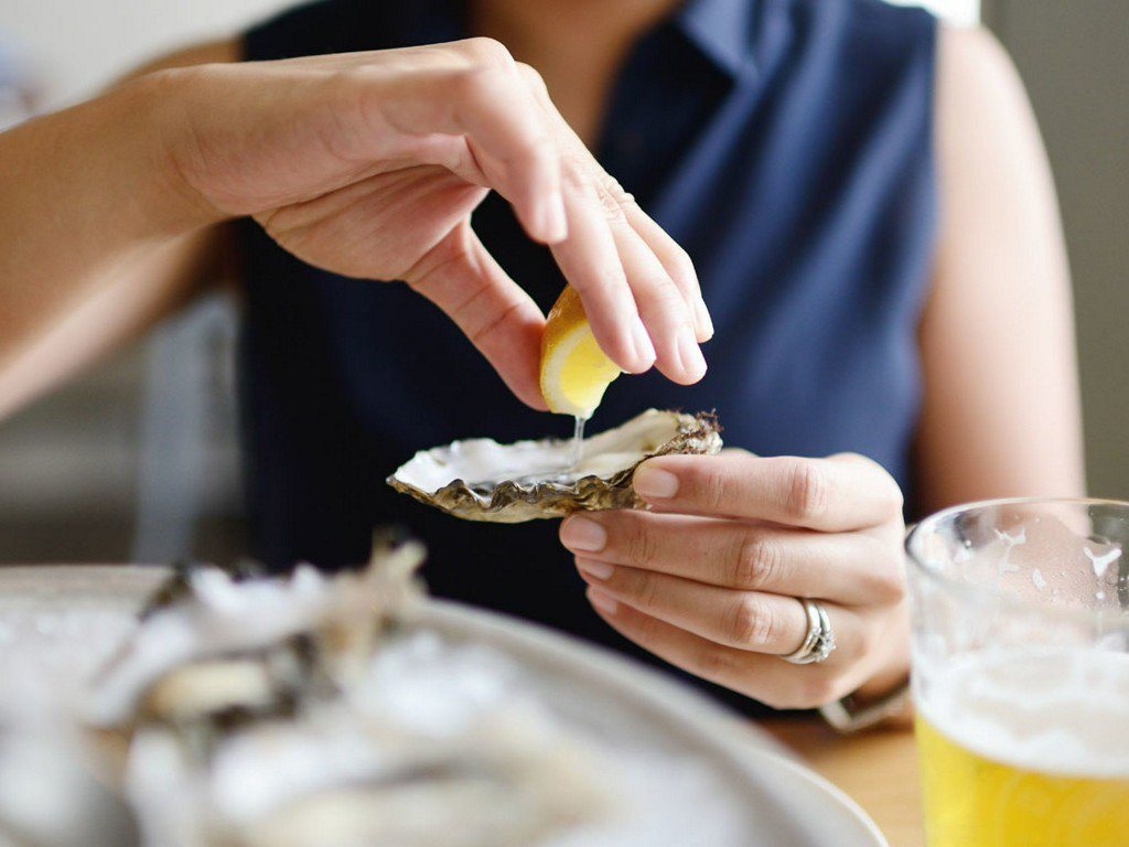 Watch 100 people try their first raw oyster: https://t.co/gTnEsXr0q4