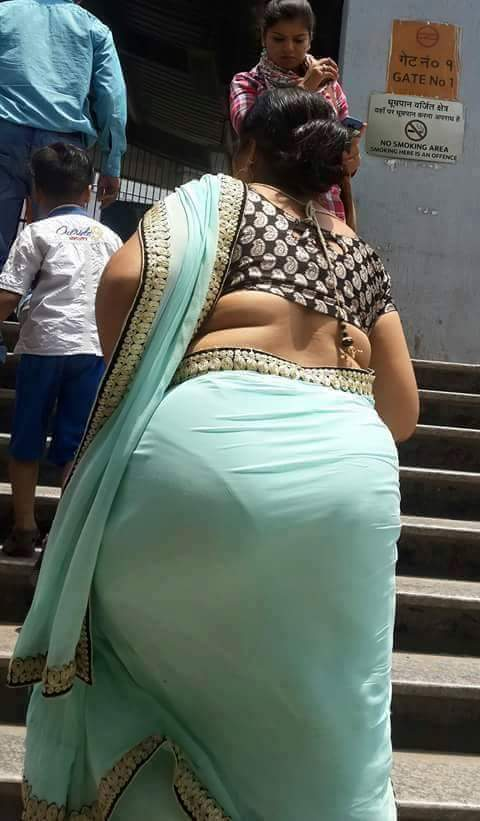 gaand in leggings desi