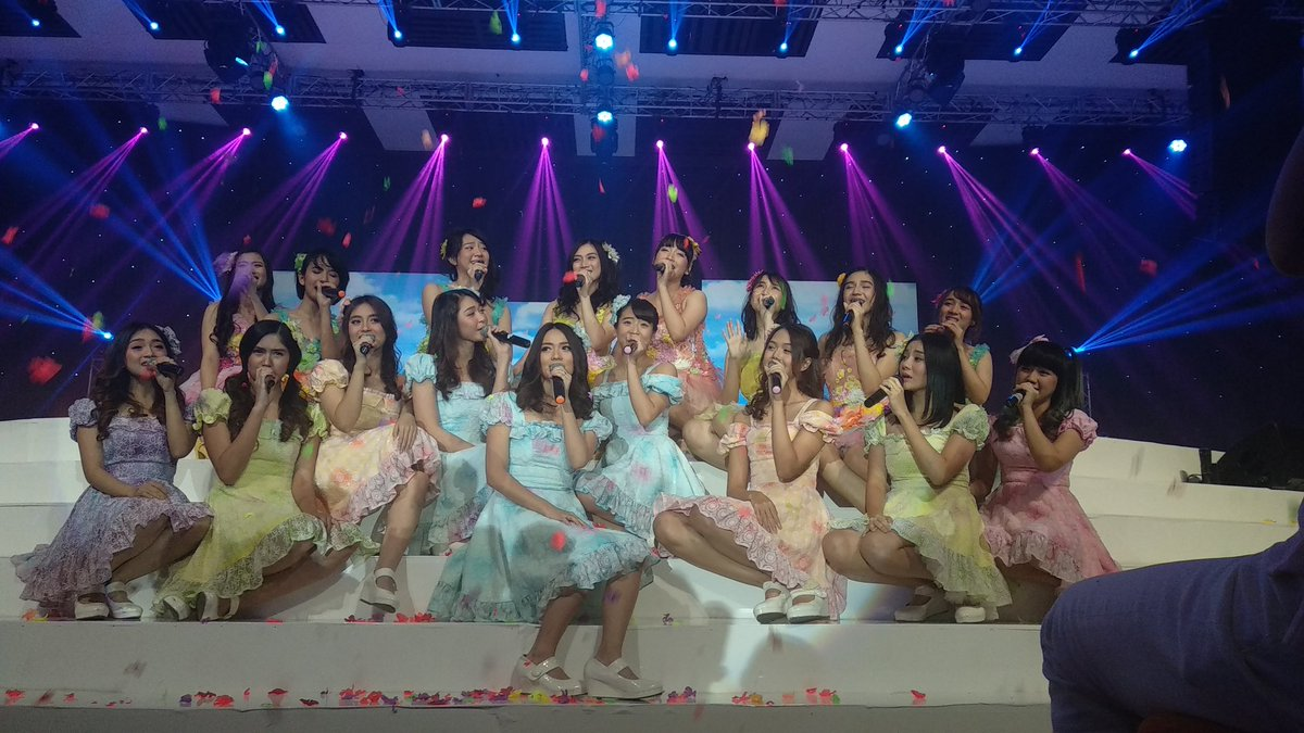 😭 #JKT48MelodyDay https://t.co/6zZINUhQj...