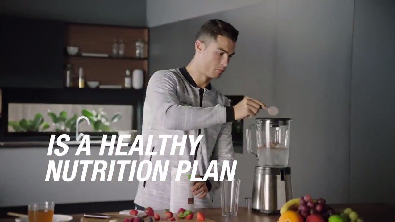 Results don't happen overnight. It takes daily commitment. Watch my #BehindTheResults video with #HerbalifeNutrition https://t.co/1jwQxJIfmv