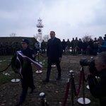 """Ministar @AAnticBG položio je venac žrtvama NATO agresije na spomeniku """"Glasnik sa Straževice"""" u ime #VladaRS Straževica je simbol razaranja ali i simbol otpora srpskog naroda Danas se sećamo svih stradalih i više nikada nećemo dozvoliti da patriotizam merimo ljudskim žrtvama"""