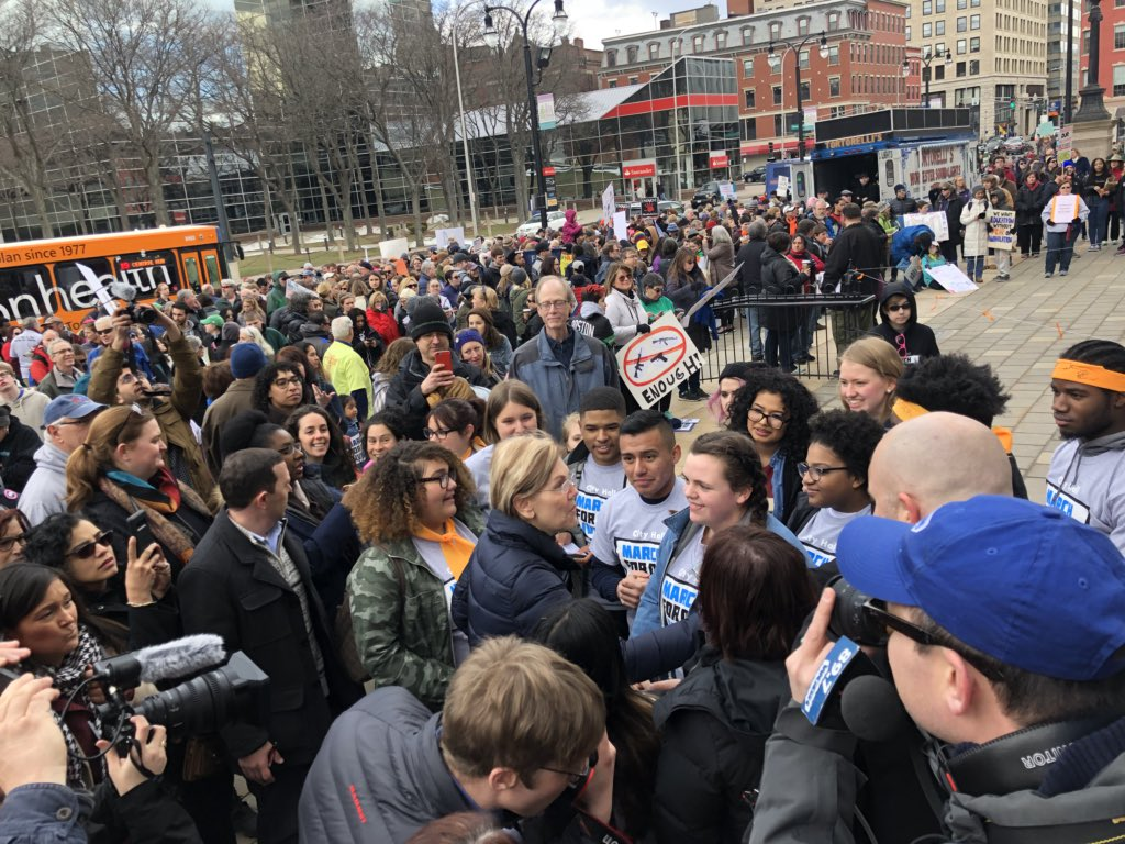 Surprise stop in Worcester to thank our student #MarchForOurLives organizers! https://t.co/NkD8kuCis0