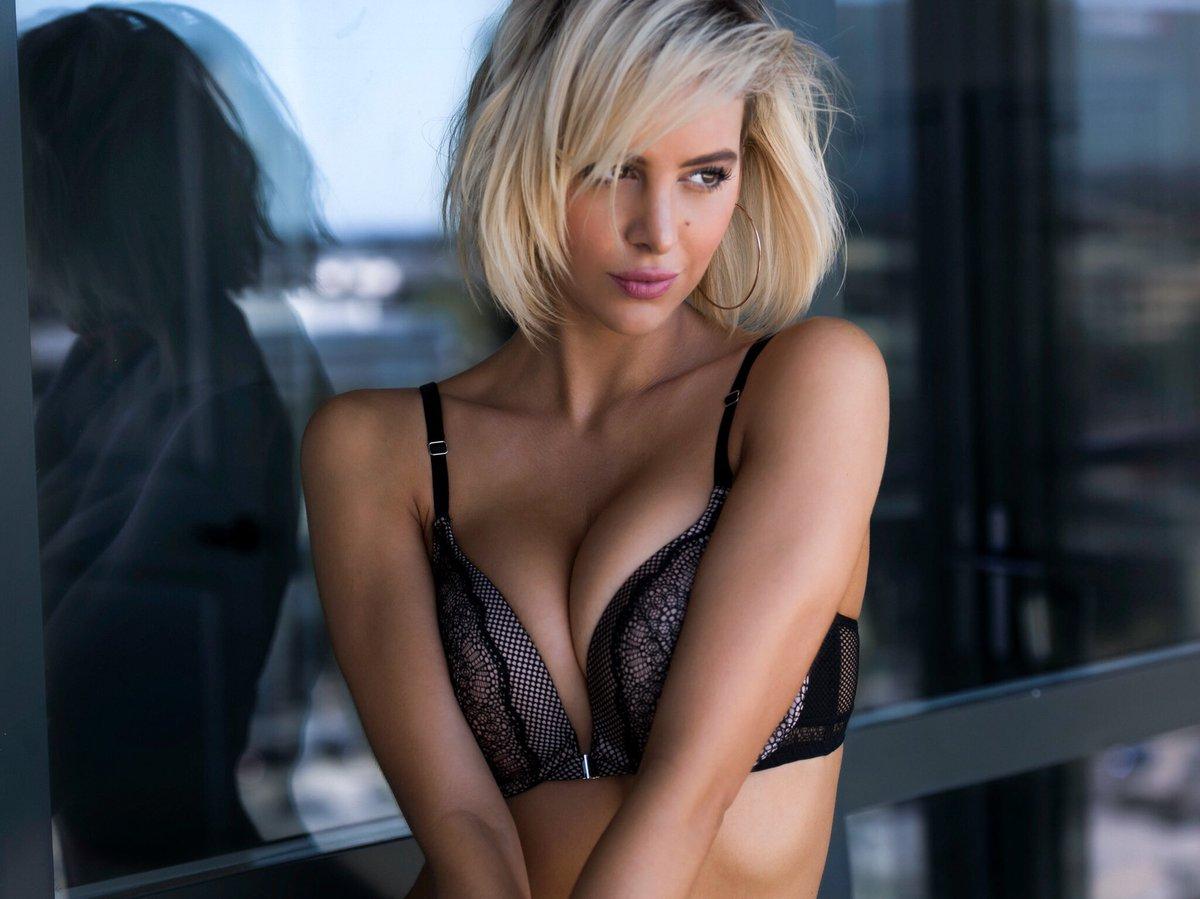 Cleavage Bri Teresi nude (42 photo), Sexy, Leaked, Boobs, underwear 2020
