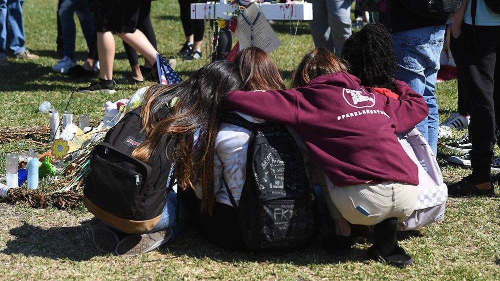 """Parkland student journalists on covering the shooting and aftermath: """"It's a balancing act"""" https://t.co/xr7ww2k4R1 https://t.co/WUHMD3C4TY"""