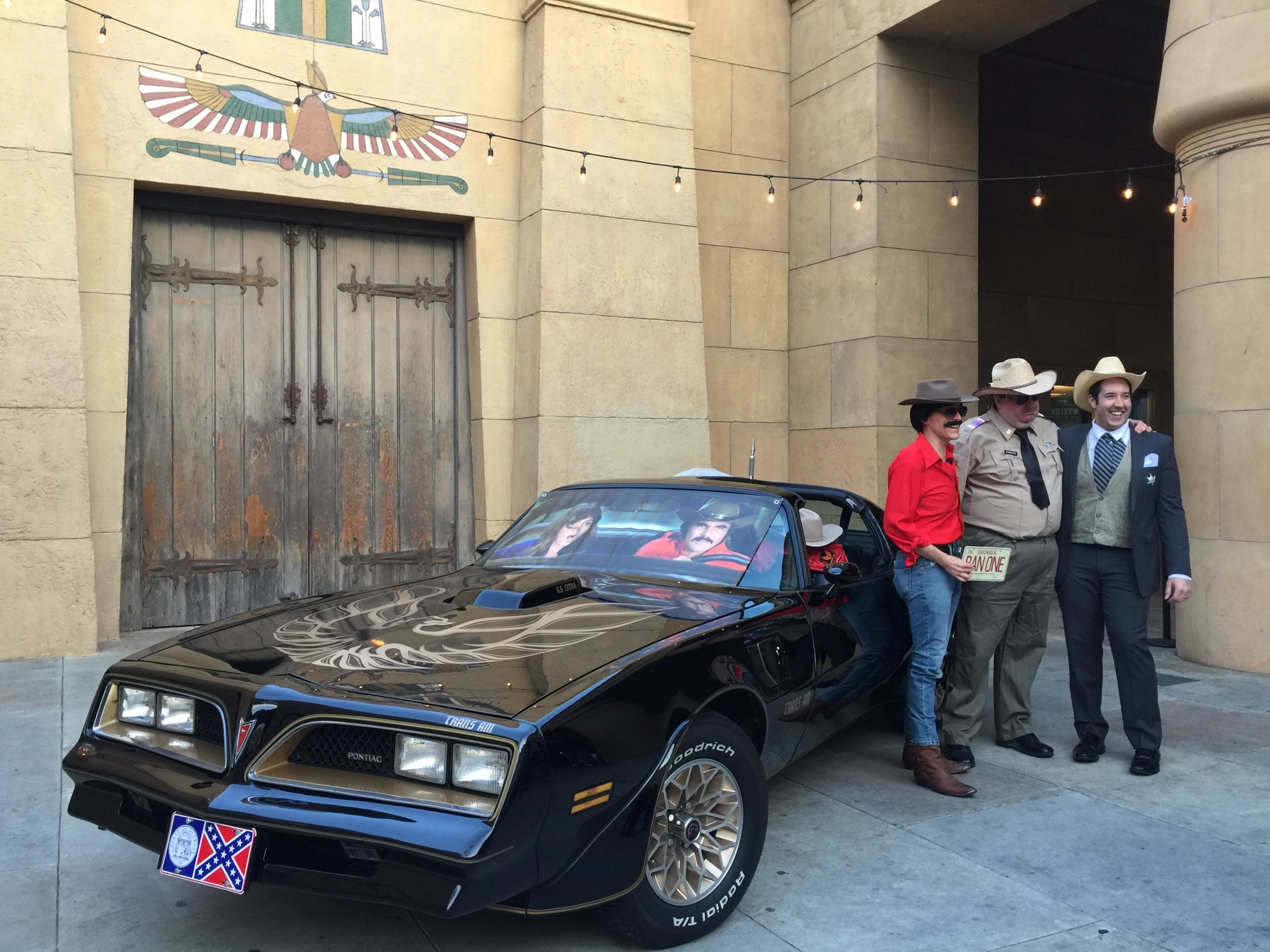 Can any one get this man a diablo sandwich and a Dr. Pepper? Bandit's Trans Am is here, Burt to follow shortly! https://t.co/DOLL2Ktn3m
