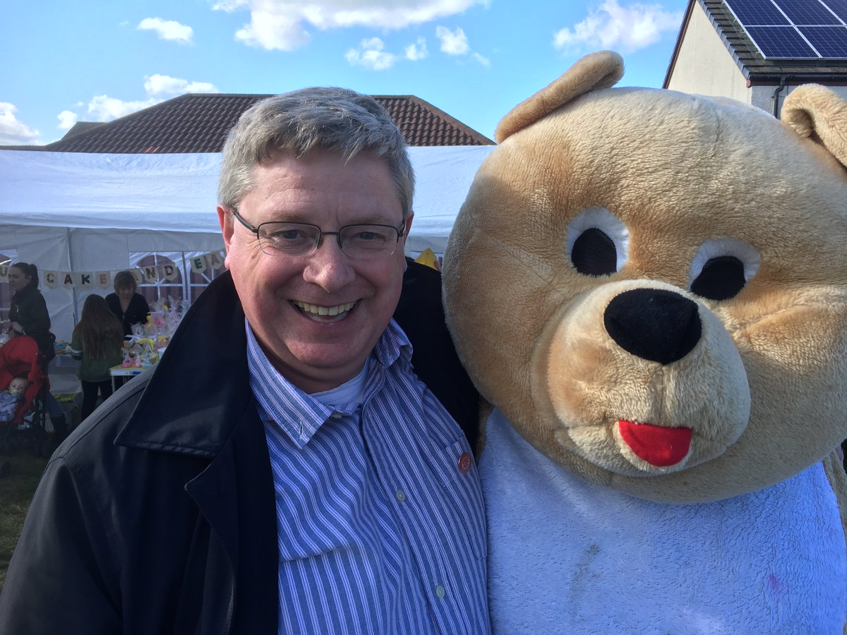 test Twitter Media - Our Eddie with @MartWhitfieldMP at Cuthill Park, Prestonpans. Eddie has a few questions about #Bearxit which remain unanswered!! #ecfm https://t.co/yrAgIxzVF9