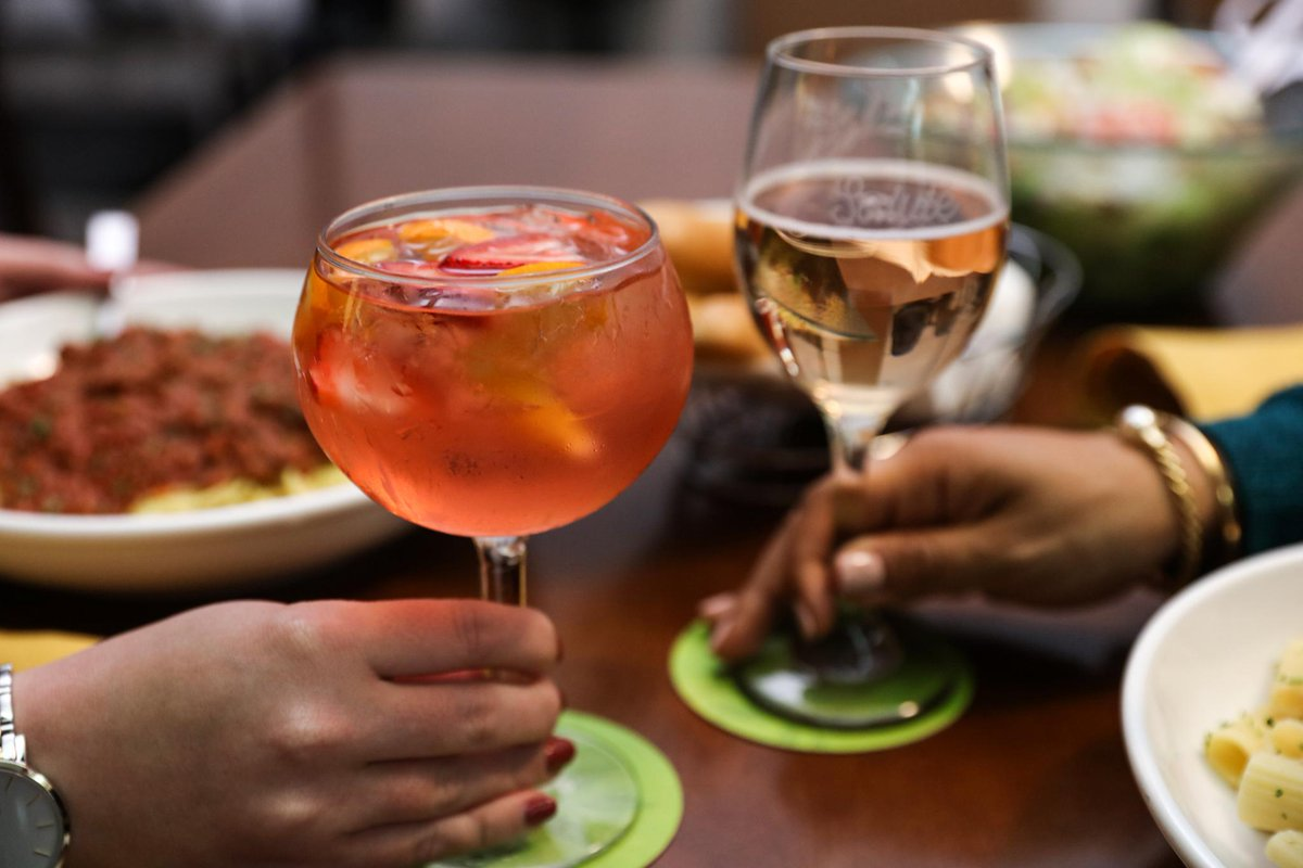 Olive Garden On Twitter Moscato Madness March Madness Don T Us