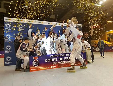 🏆Félicitations aux Yeti's Grenoble #vainqueurs hier de la COUPE de FRANCE 2018 face aux Hawks d'Angers, pour la 2e année consécutive.  https://www.facebook.com/YETIS.Elite/videos/1920962807977129/ … … 👏👍#rollerhockey #hockey #rollerinline 📷 ©Yeti's Elite