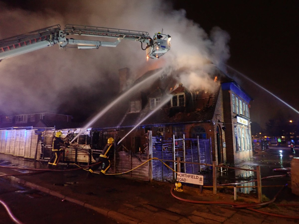 Parts of a disused pub and a caravan were damaged in #Barnet fire #ThisWeek https://t.co/H5E7v15eya