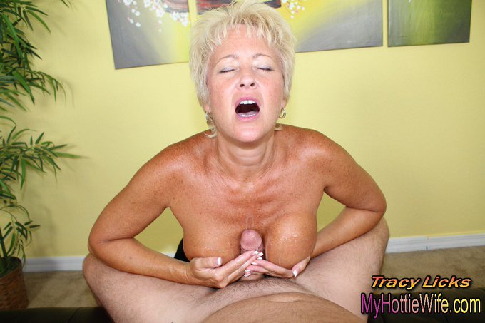 #NaughtyGirlsofTwitter #SexyWife  Watch me #tittyfuck a fan in my new #update. My #bigtits get covered