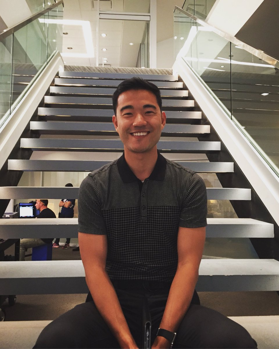 this is a happy Daniel on the brand new Axe Capital set of #Billions shooting the Season 3 #BillionsPremiere... thanks for watching and see you next Sunday!  . . . #teamAxe #teamBenKim @sho_billions<br>http://pic.twitter.com/V120n6Uzjn