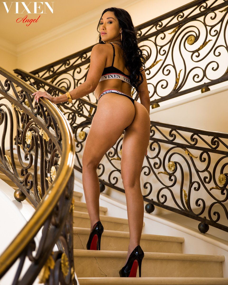 #SexTalkTuesday on March 27th at 3pm EST has @VickiChase...