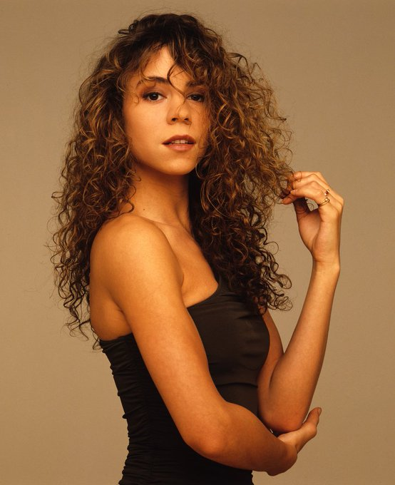 Happy birthday to Mariah Carey ( born on this day in 1970.