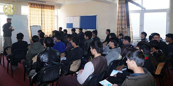 برگزاری برنامه آگاهی عامه حقوقی درپرورشگاه moj.gov.af/fa/news/335237