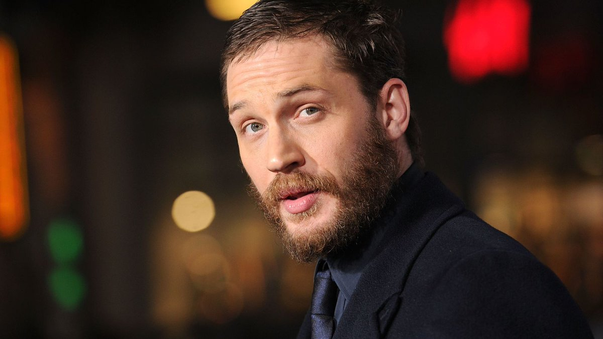 Tom Hardy dismisses rumors that we won't see the symbiote until the end of #Venom https://t.co/y8DlnN5qu6
