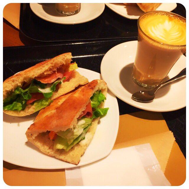今日はオシャレにパニーニランチ♡新宿で食べられる美味しいパニーニのお店6店