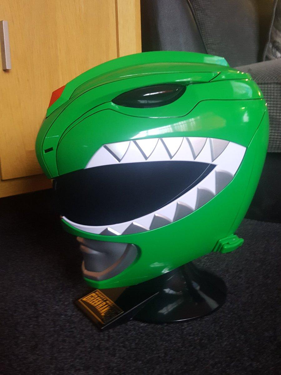 @MorphinLegacy @thepowerscoop @PowerRangers @RangerBoard I believe im one first people in the UK to get the green ranger helmet