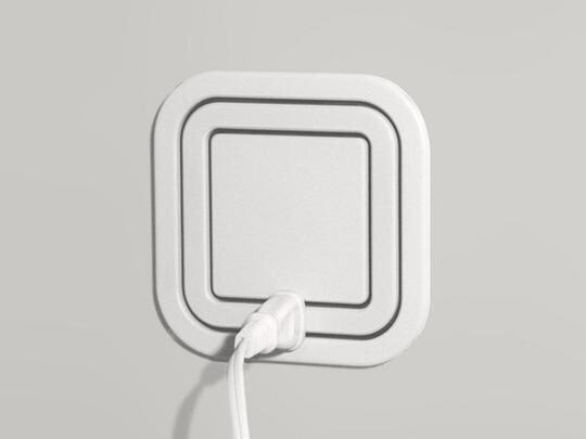 ぱっと見て電源タップに見えないデザイン に一目惚れ 好きなところに挿せるからプラグが大きめのものでも干渉せずに使えてすてき