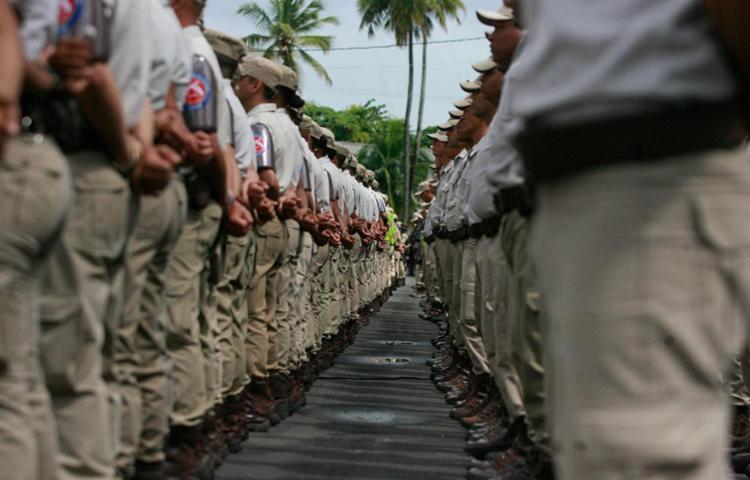 Resultado de imagem para Governo convoca soldados da pm ba
