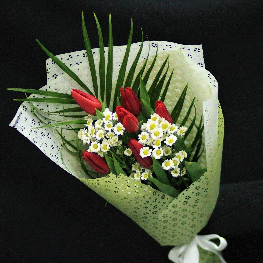 Цветы минск, букет с лилией 1 шт робелини и гипсофилой