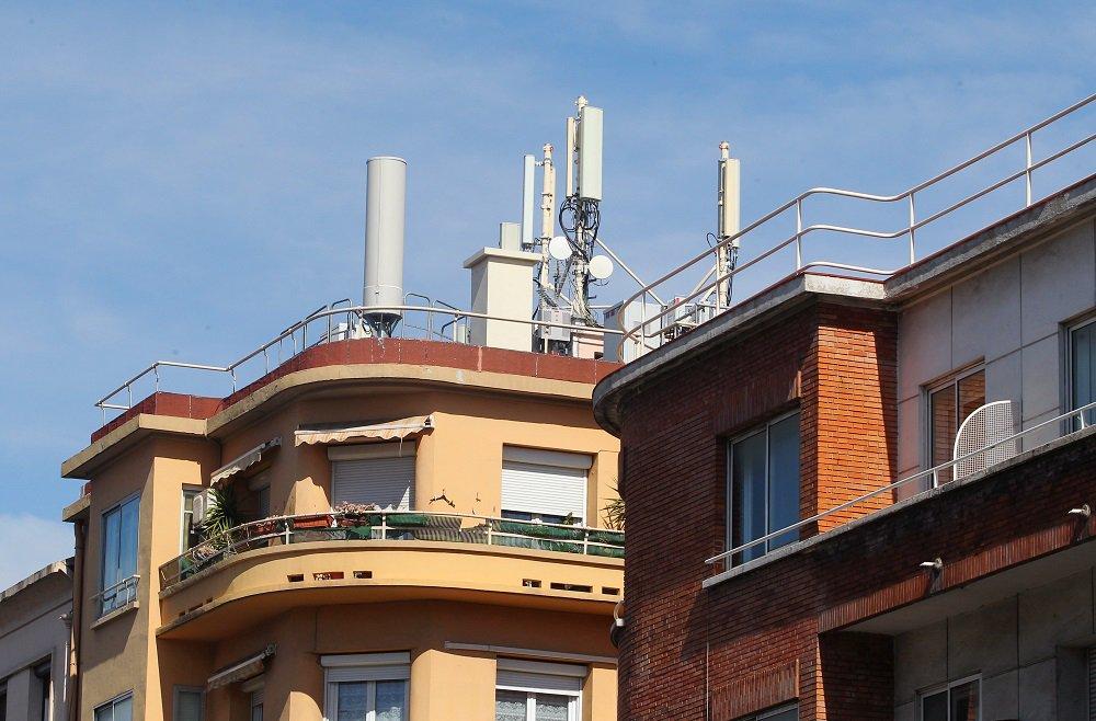 La souffrance des personnes sensibles aux ondes électromagnétiques reconnue par l'Agence nationale de sécurité sanitaire https://www.francebleu.fr/infos/sante-sciences/la-souffrance-des-personnes-sensibles-aux-ondes-electromagnetiques-reconnue-par-l-agence-nationale-1522156554…