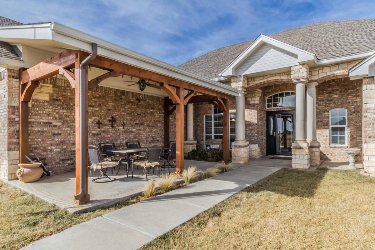 Fabulous Bushland Property On A Corner Lot With An Unbeatable Shop!  #reduced #homesweethome #wiecksellsamarillo #realtor #realestate #amarillo  #wieckrealty ...