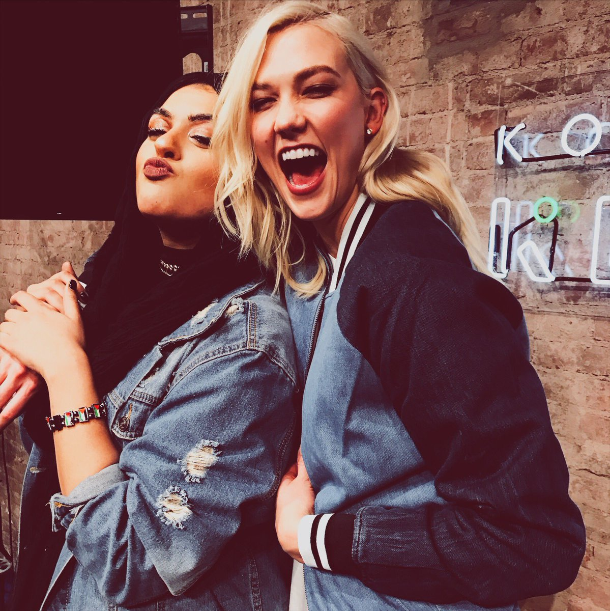 This #MuslimWomensDay, celebrate a Muslim woman in your life. @xoamani thank you for using your voice and @muslimgirl to amplify voices and opportunities for young girls.
