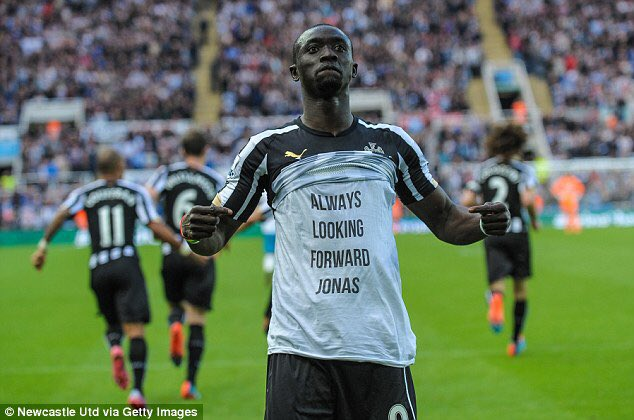 What a special moment that was from @CissePapiss ! 👊 #NUFC https://t.co/Y8O2VNmJSV