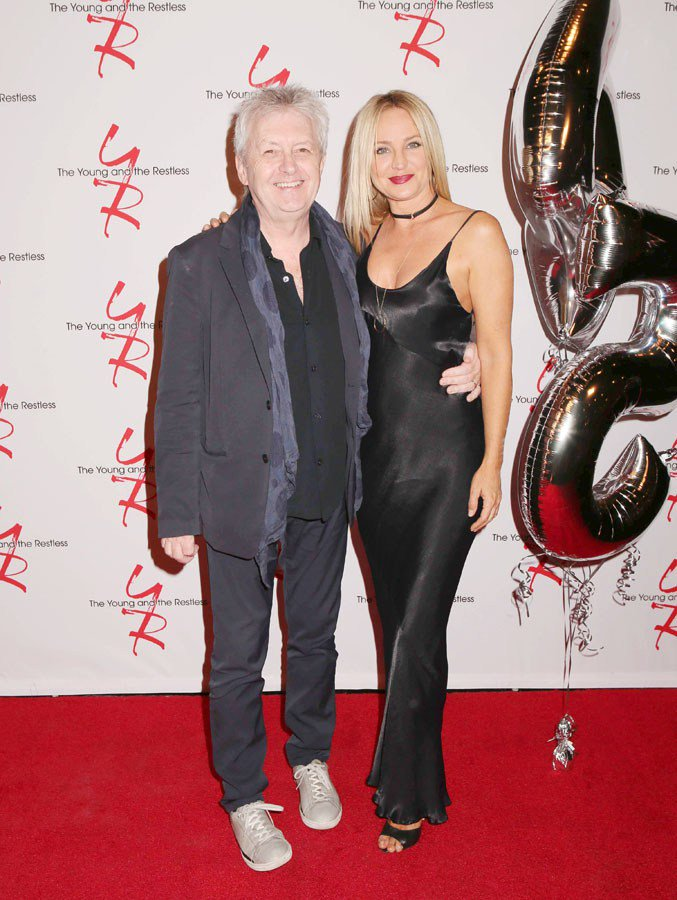 #YR45 The EP/HW extraordinaire with extraordinarily beautiful Sharon. I love Sharons dress, I love Sharons shoes, and that shade of lipstick looks absolutely fabulous on her. What. A. Beauty. Of. A. Woman. Sir Mal? Looking good yourself👍👍