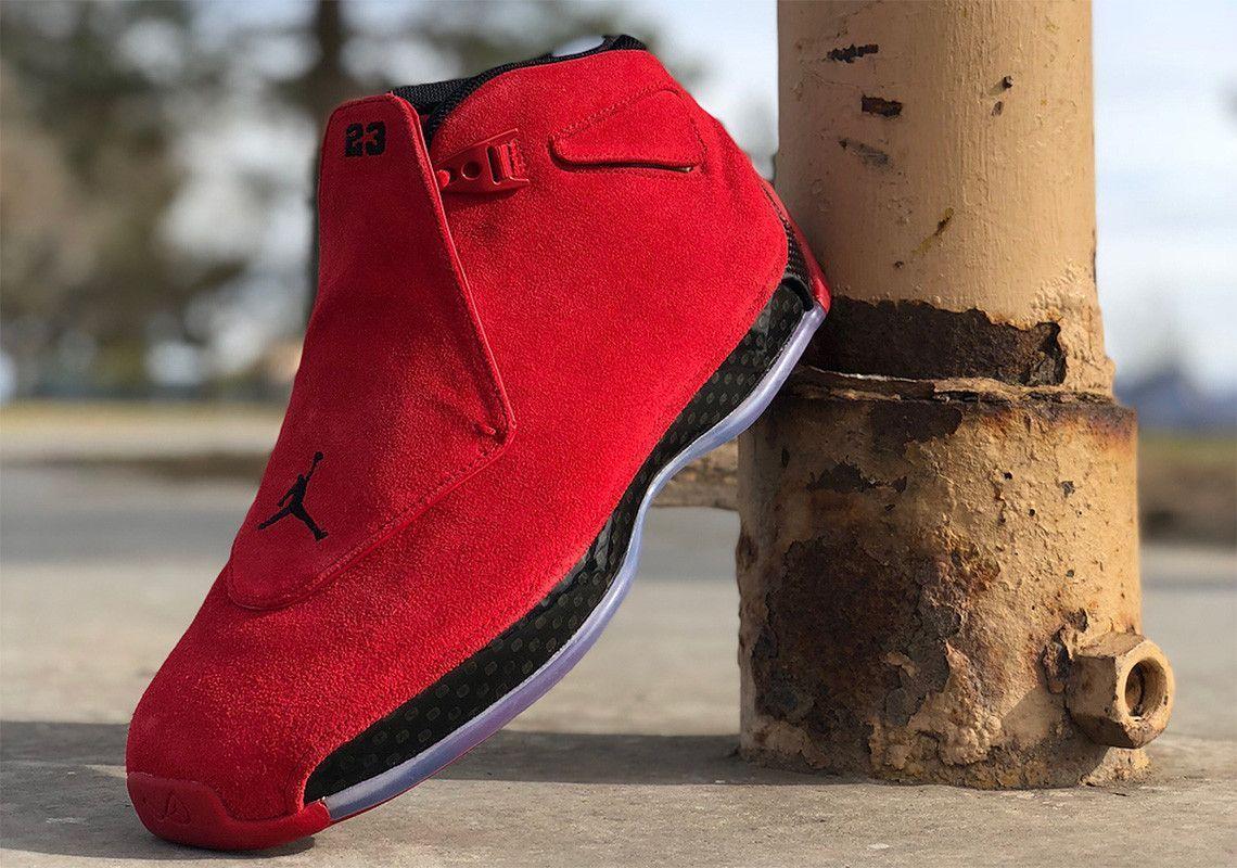 2e5b86e12198b4 Sneaker News on Twitter