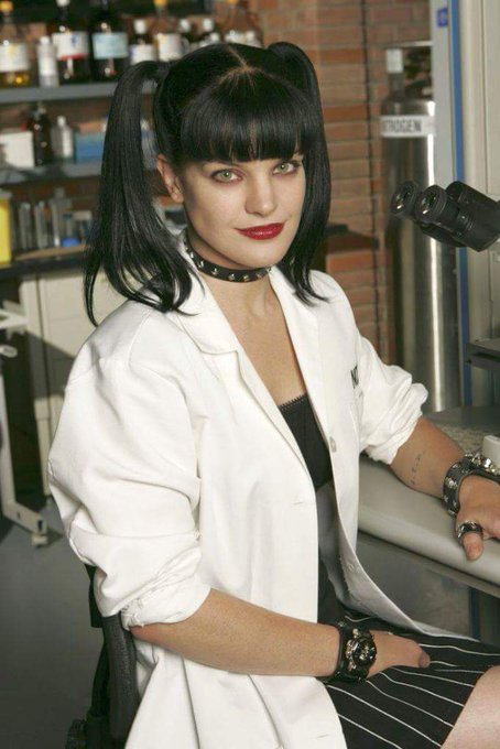 Happy Birthday to Pauley Perrette who turns 49 today!