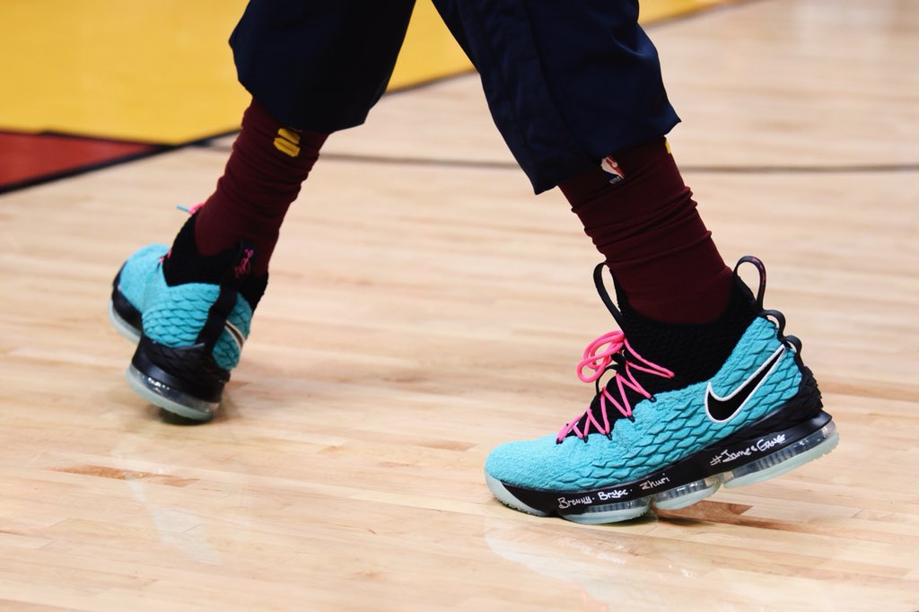 "best sneakers bf691 6f934 LeBron James debuts the Nike LeBron 15 ""South Beach"" in Miami and ""is  currently only made for LeBron.""pic.twitter.com u5kNbFOUYO"