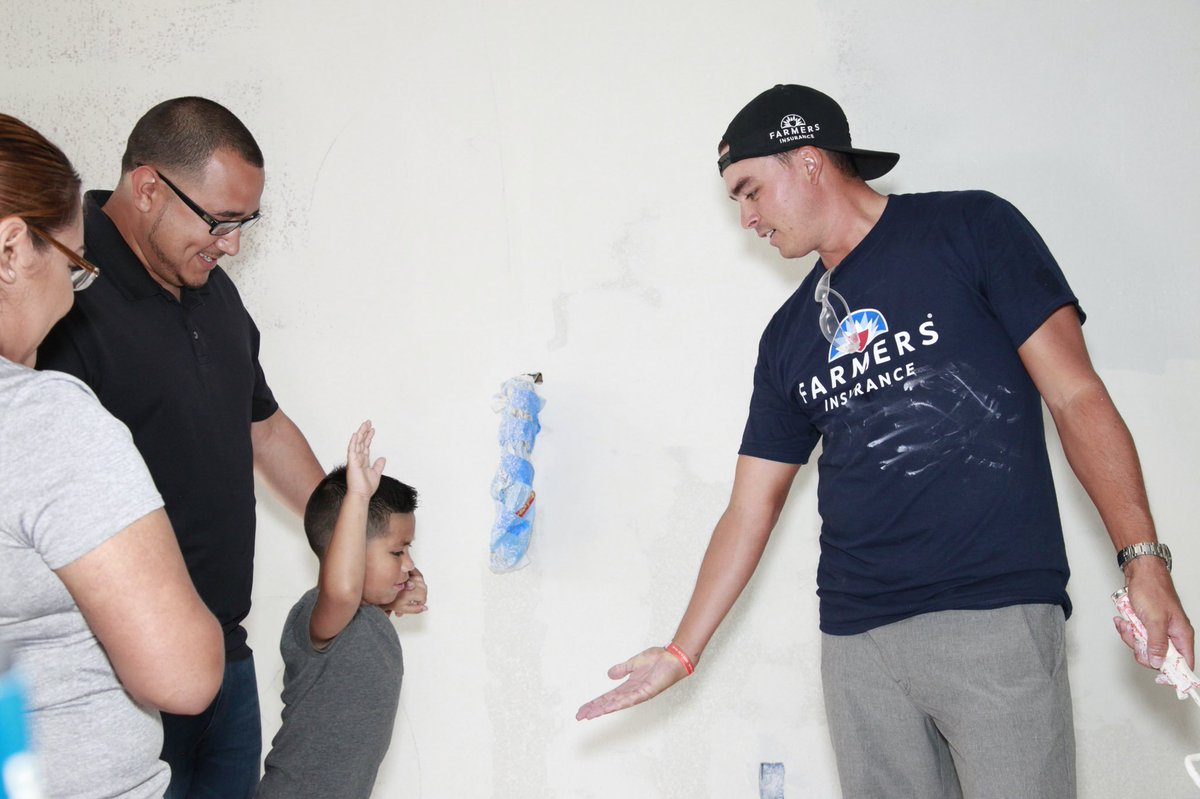 Enjoyed helping @WeAreFarmers and @SBPUSA rebuild the Gilbert familys home, which was damaged during Hurricane Harvey. Great to be part of the rebuilding efforts and even had a chance to mix in some practice with my new buddy Justin.