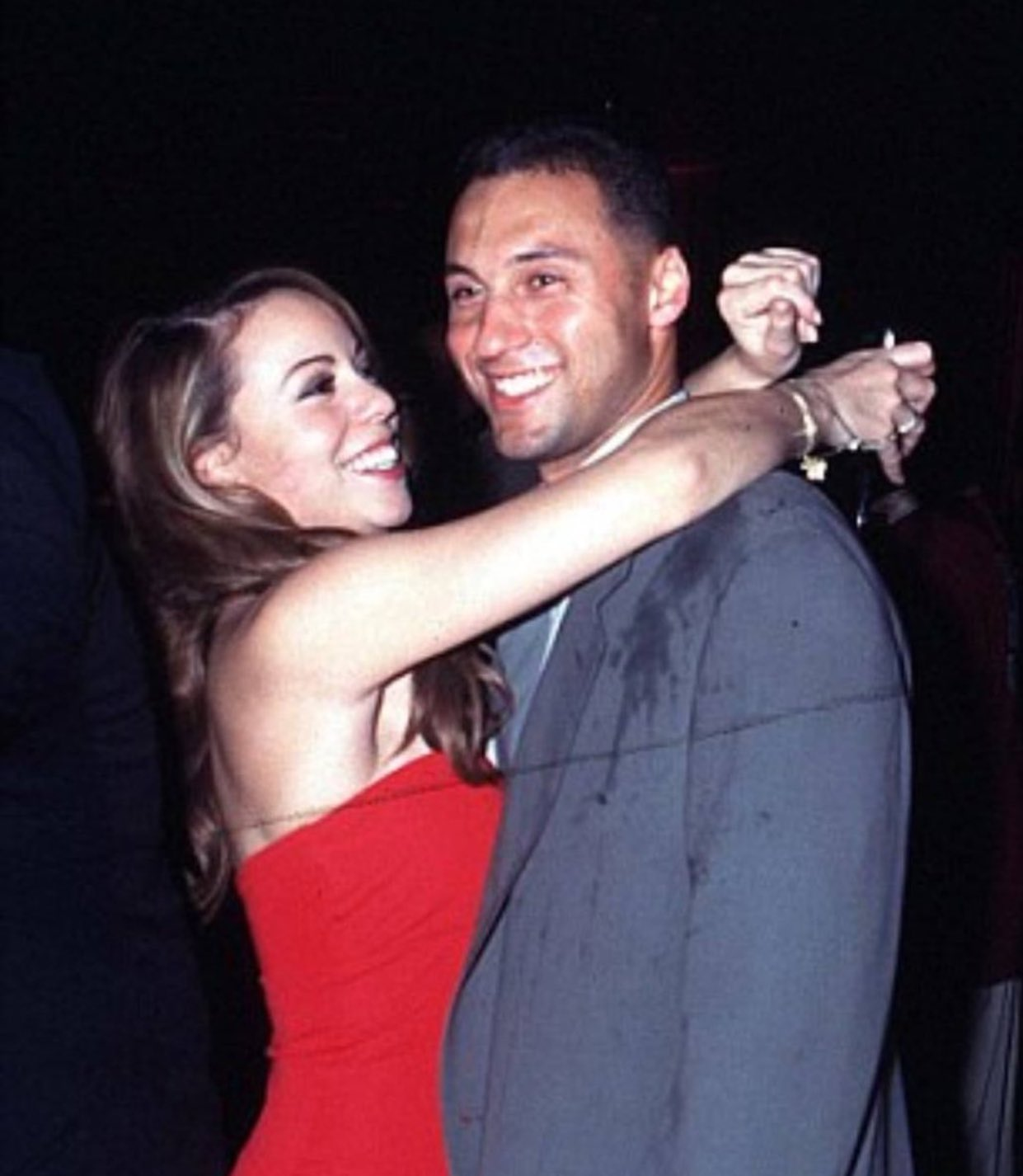 (1998) Happy birthday to Mariah Carey! Here\s a throwback of her and Derek Jeter 20 years ago.