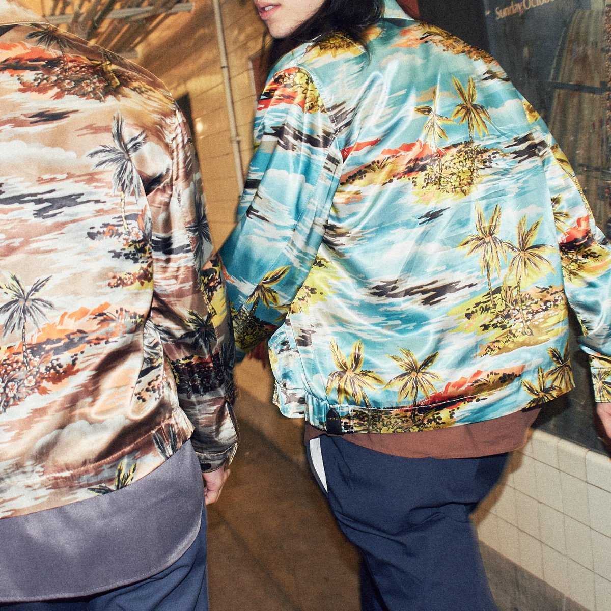Island hopping—on the island of Manhattan that is. From the #CoachSS18 Men's collection, a pair of Hawaiian print skater jackets. #CoachNY https://t.co/AuEu6nkGe1