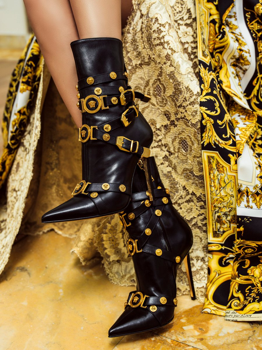 The bondage touch. A powerful shoe for a true Versace woman. Find the #VersaceTribute boots: https://t.co/VKMwzEDOeZ