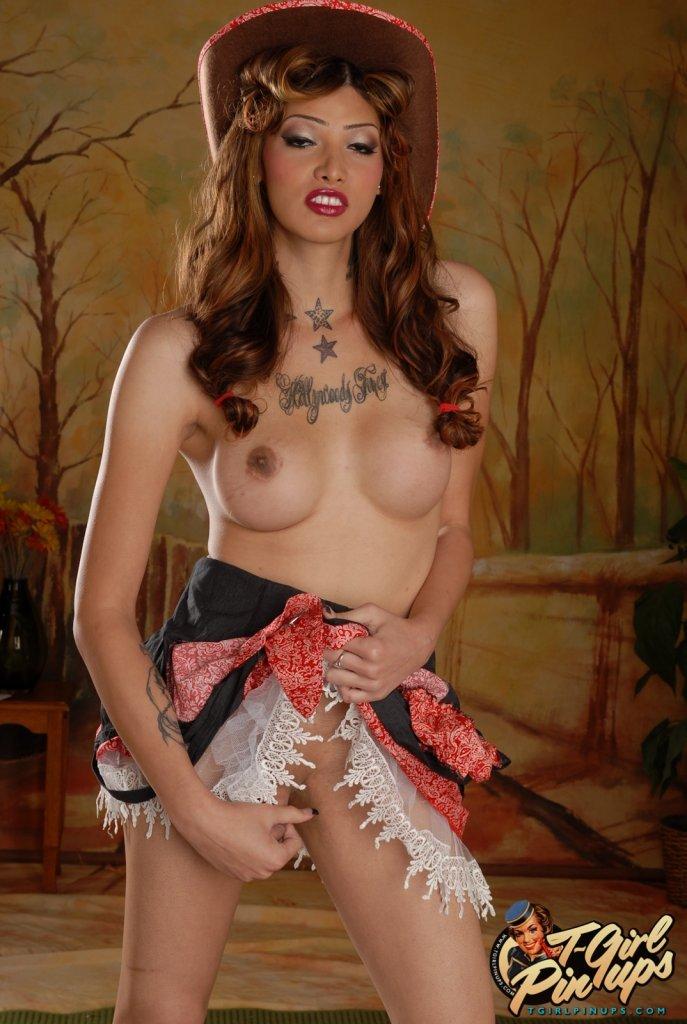 Jenna Rachels Makes For One Sexy Cowgirl! clubjennarachels.com/jenna-rachels-… #tranny #shemales #tgirls #ladyboys #transsexual #shemale #TS #kathoey #tgirl #transgender #transporn #transmodel #shemaleporn #ladyboy #femboy #sissy #cd #JennaRachels