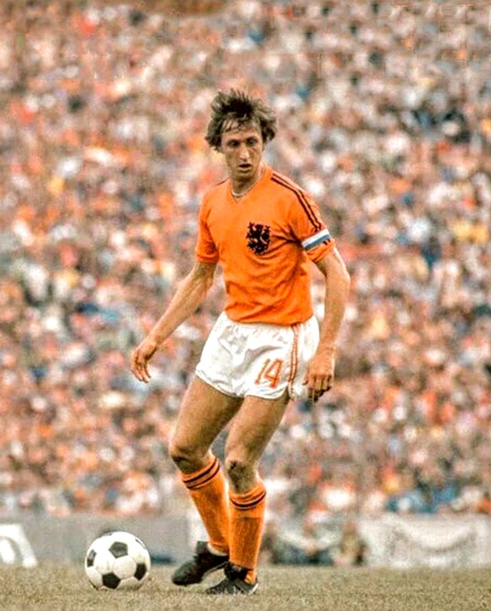 #JohanCruijff was named Best Player of the 1974 #WorldCup in #Germany. At that moment in his career he was playing for @FCBarcelona. In 2000 #FIFA named him European Player of the Century. #Oranje74 #Nederland #Netherlands #Oranje #WM74 https://t.co/ohbDAI6sQB