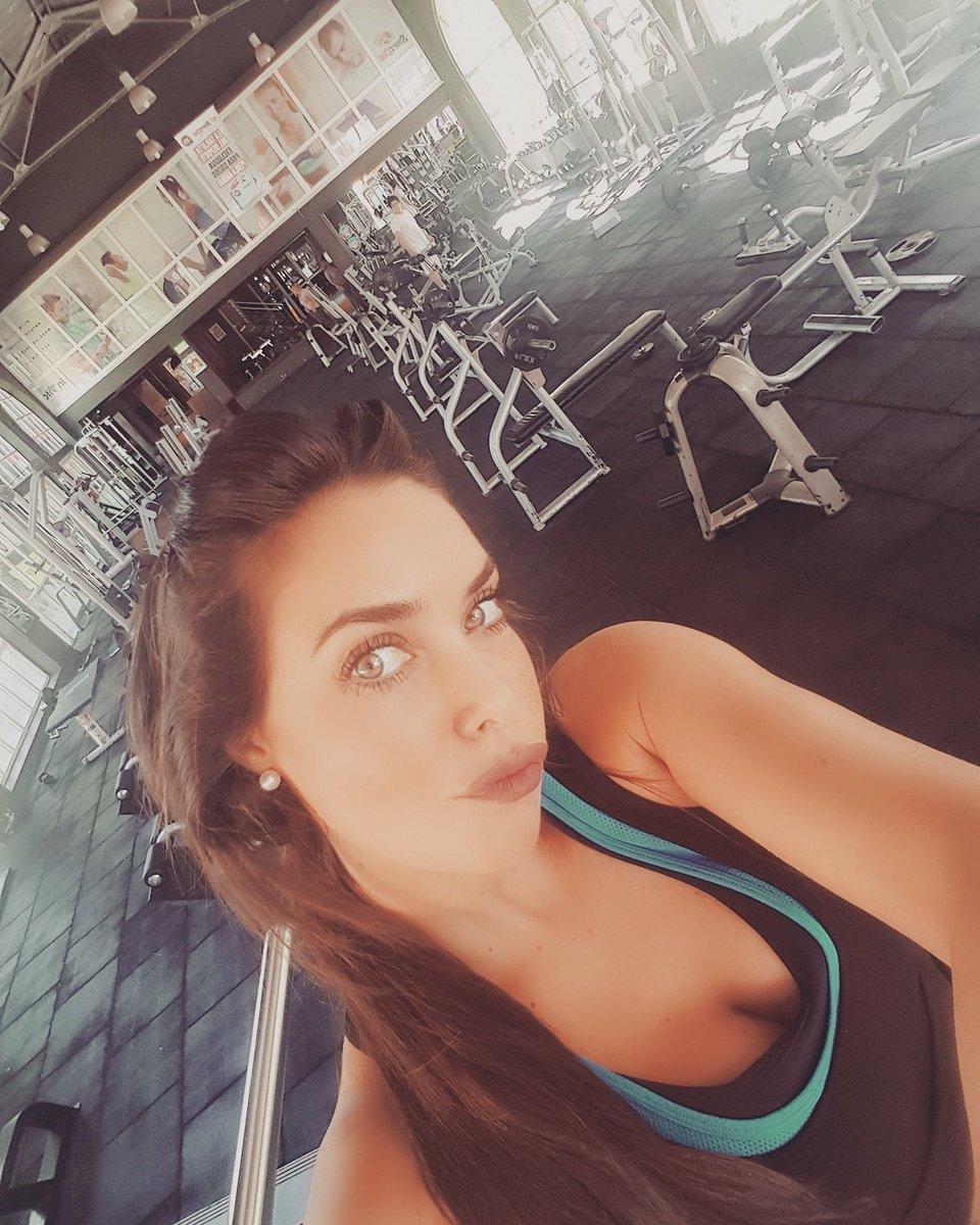 Parece que entreno sola hoy e el gym!!!...