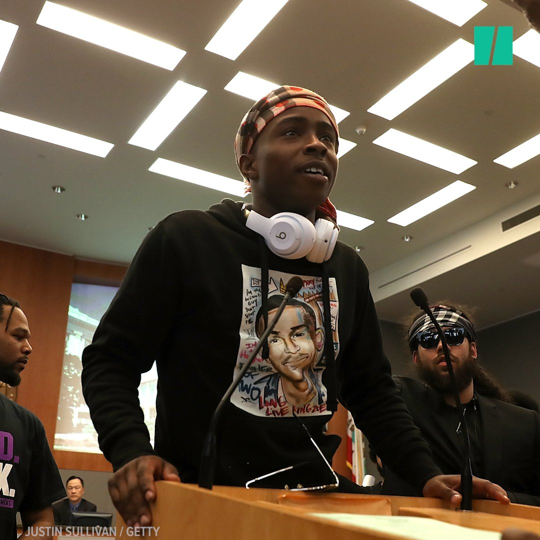 Demonstrators shut down a Sacramento City Hall meeting to protest the killing of Stephon Clark by police officers. https://t.co/lhUxKBzzA6