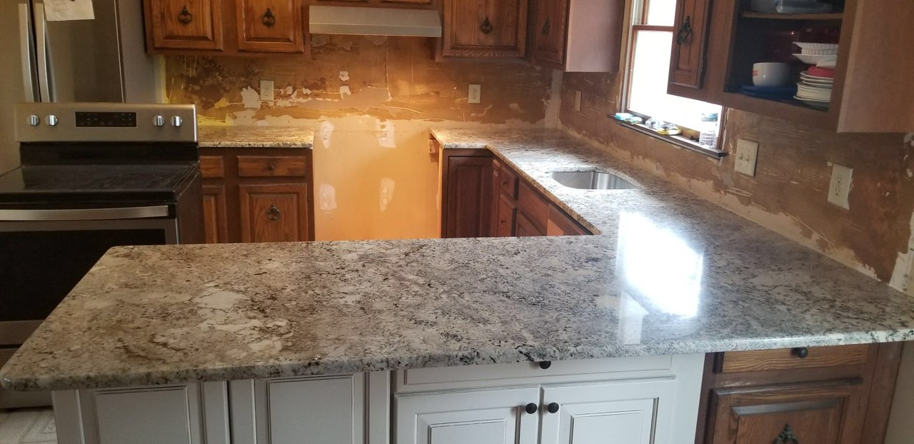 Goodfellas Granite On Twitter Alaska Gold Granite Countertops This Stone Features A Creamy White Backround With Darker Brown Flecks And Hints Of Many Shades Of Gold Alaskagold Granite Countertops Cabinetry Goodfellasgranitellc Https T Co