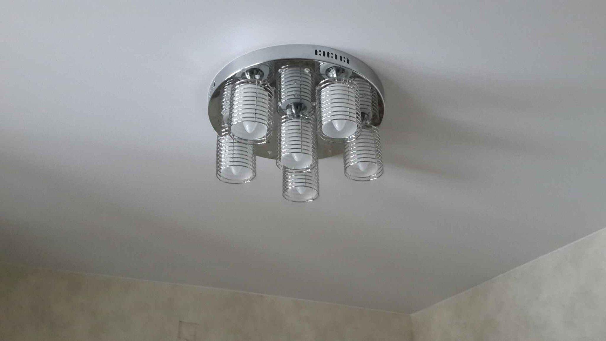 составляющая значительно монтаж люстры на натяжной потолок фото старший