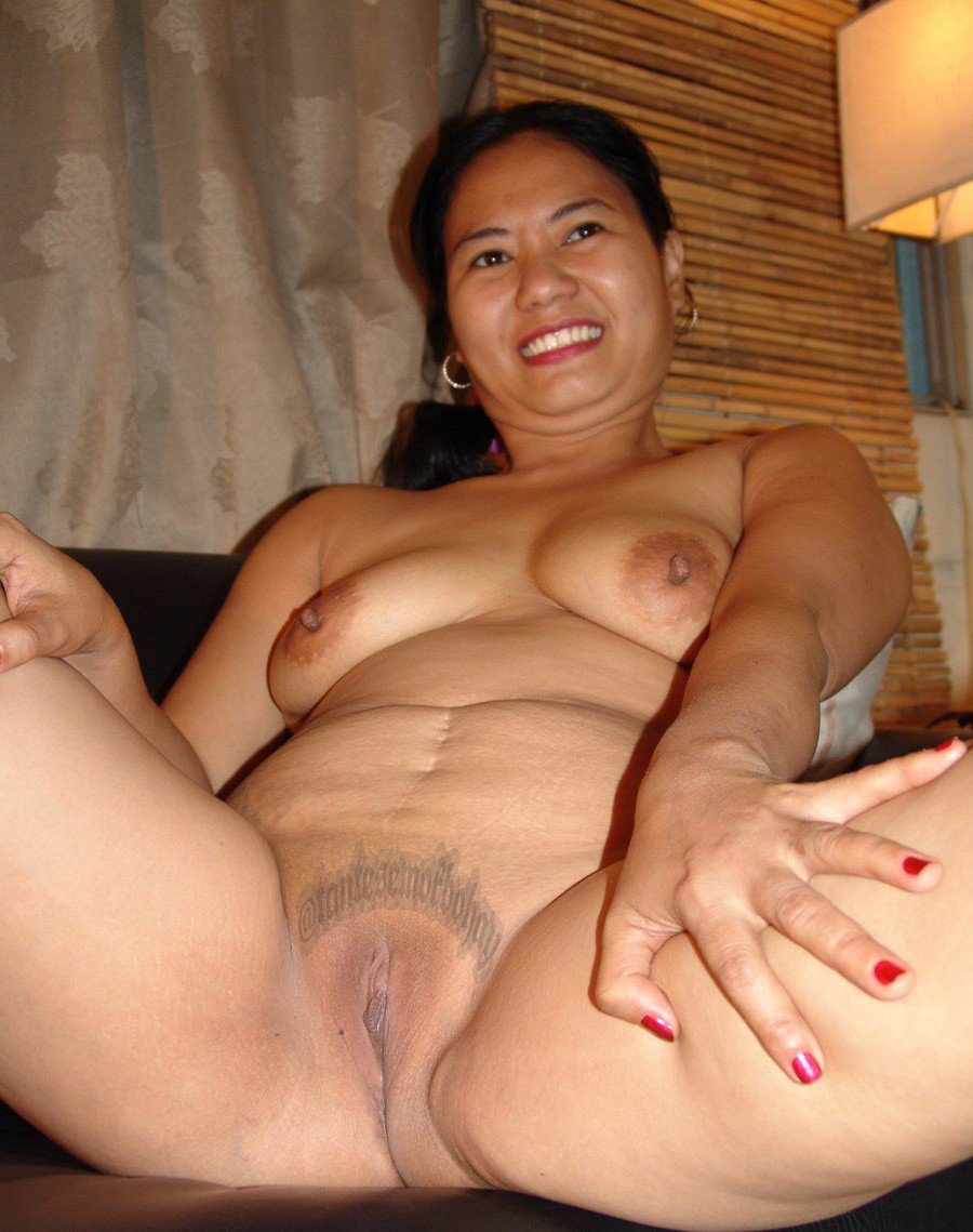 Trikepatrol busty curvy filipina spreads her wet pussy lips for big dick