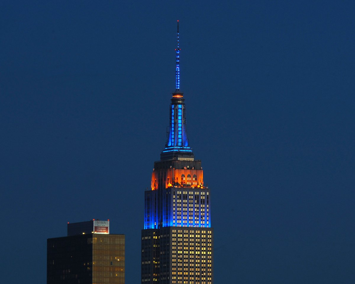 Empire state bldg on twitter meet the mets step right up and empire state bldg on twitter meet the mets step right up and greet the mets our lights will glow in blue and orange tonight in celebration of the new kristyandbryce Gallery