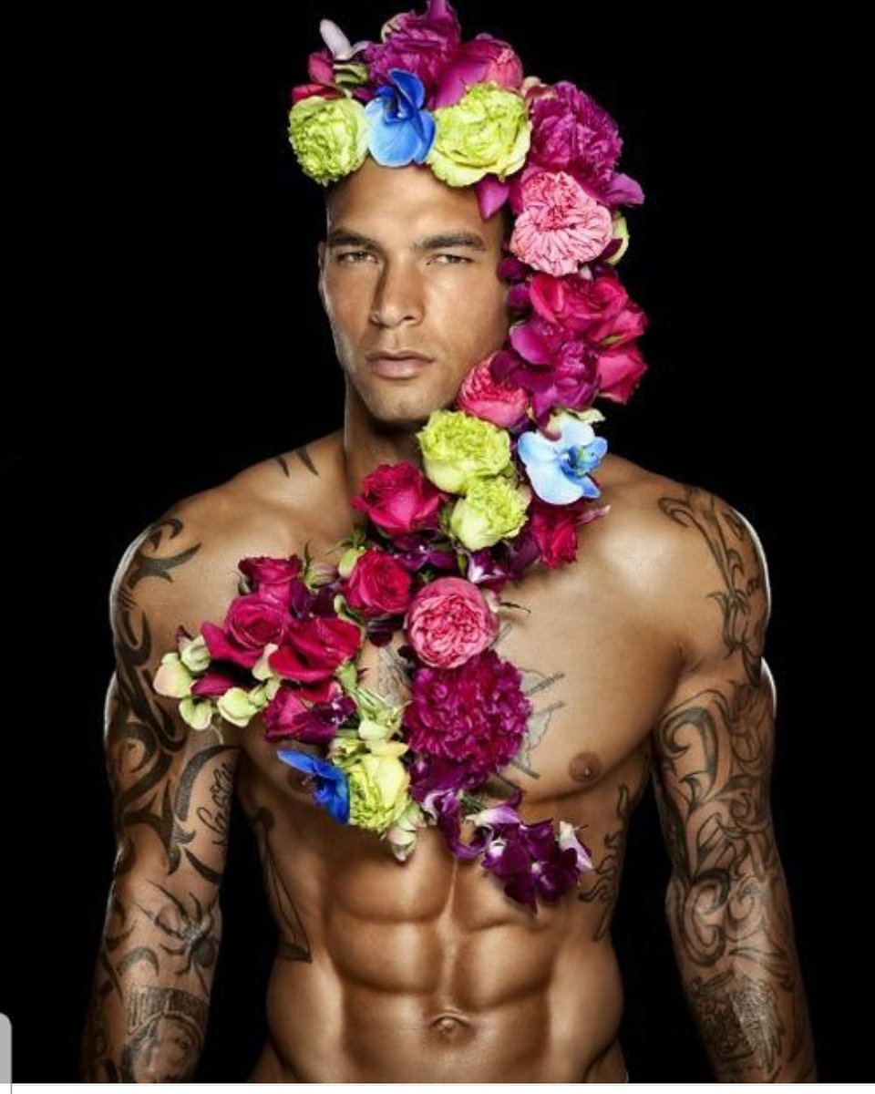 Naked man flowers — img 14
