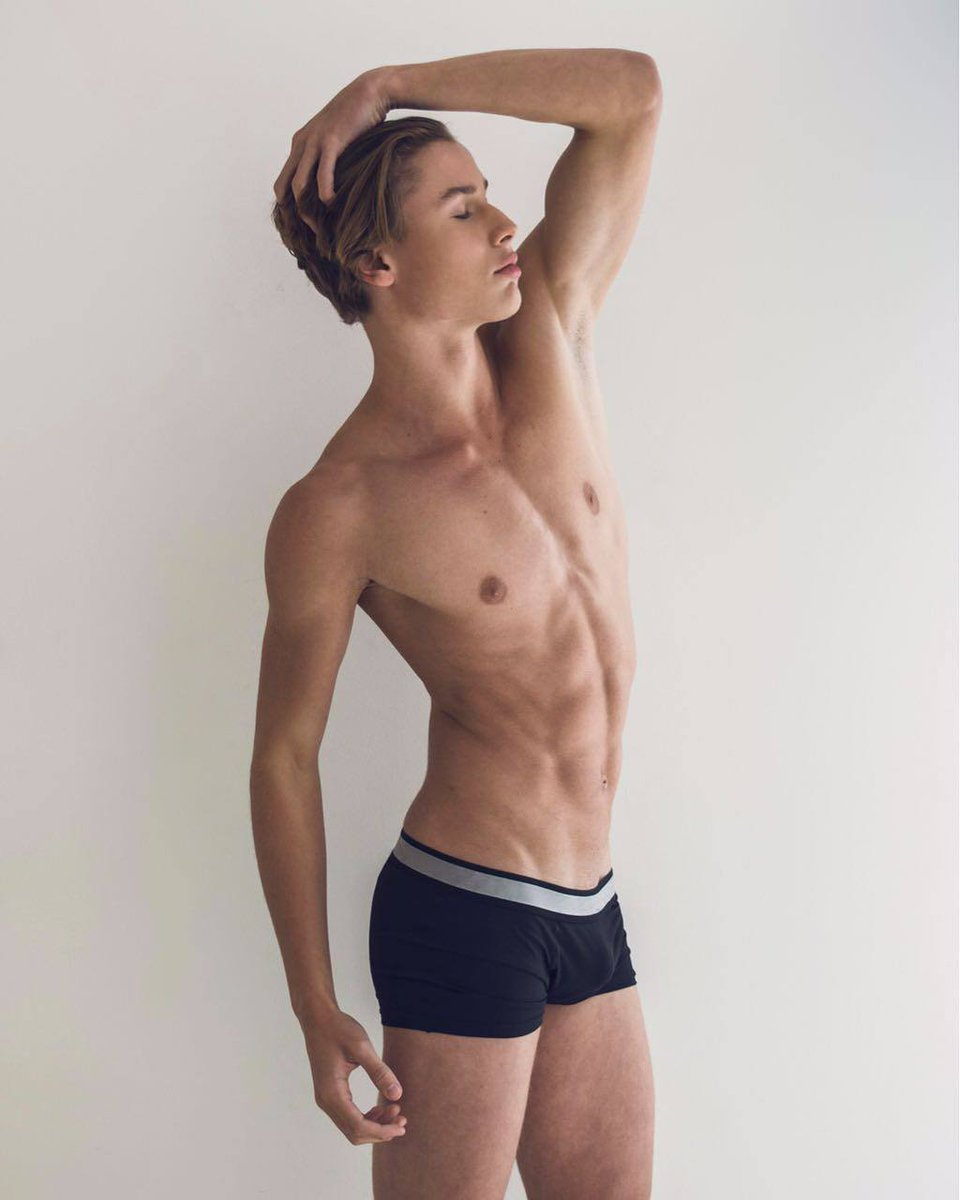 naked-strong-boys-macdowell-nude-video