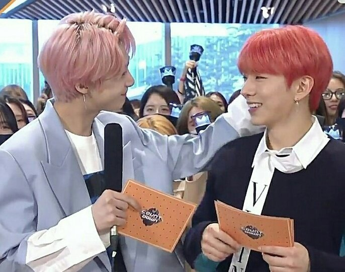 kihyun: im becoming more like hyungwon t...