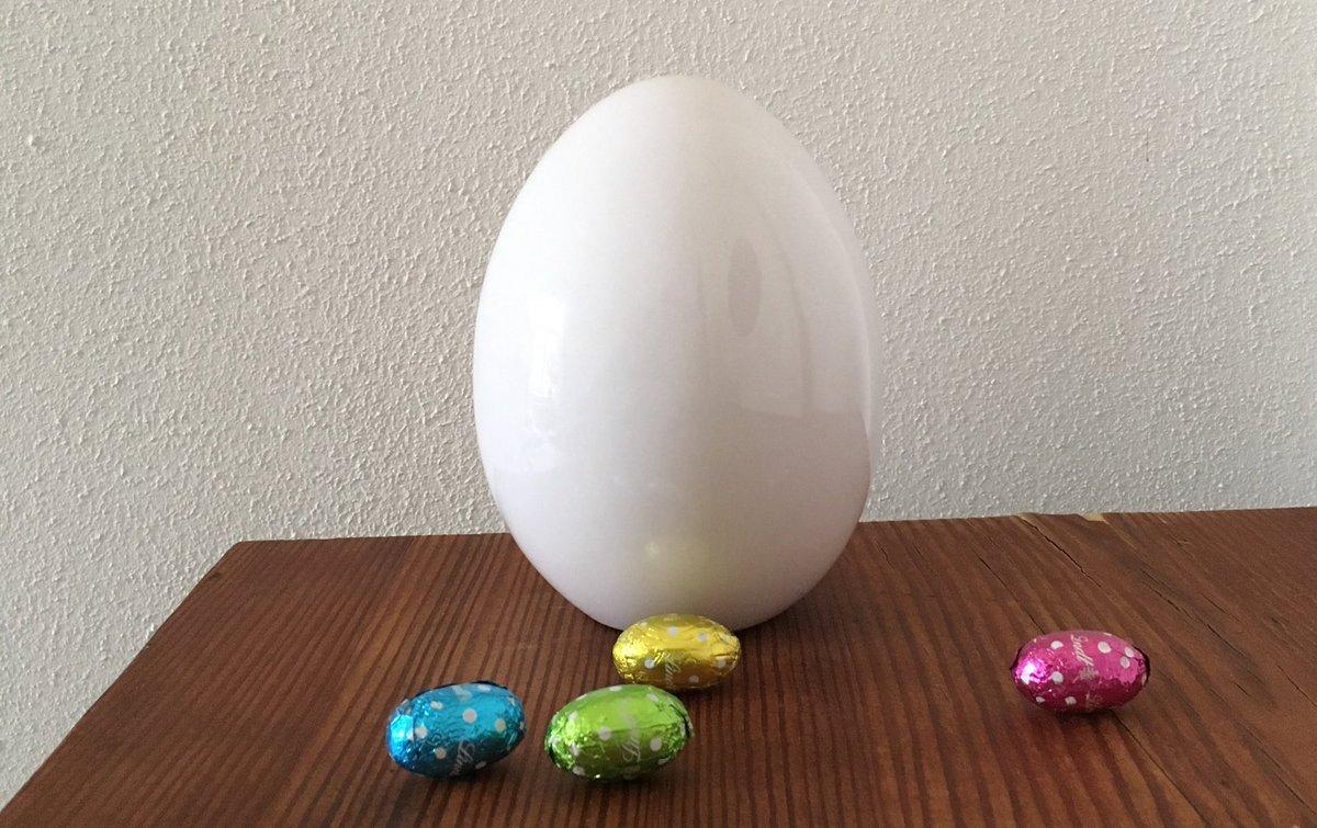 """Frühlingshafte Osterwünsche aus unserem Bildungshaus mit heiteren Worten von Herrn Ringelnatz: """"Ach, ich könnte alle Hennen küssen, die so langgezogene Kugeln legen."""""""